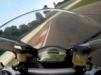 Ducati Superbike 899 Panigale на треке