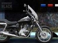 Красивые кадры мотоцикла Bajaj Avenger 220