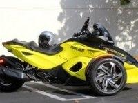 Can-Am Spyder RS-S в движении и статике