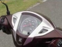 Honda Lead 125 в статике и движении