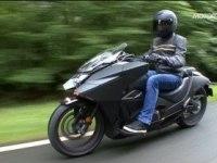 Французский тест Honda NM4 Vultus