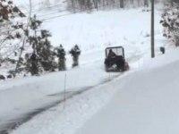 Чмстка дороги от снега на Kawasaki Mule 4010