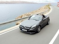 Mercedes-Benz SLC в статике и движении