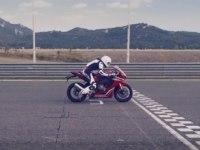 Реклама Honda CBR1000RR Fireblade