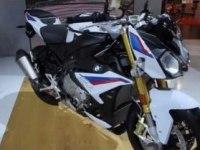 BMW S 1000 R на выставке
