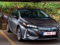 Toyota Prius Plug-in Hybrid в статике и динамике