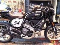 Ducati Scrambler Cafe Racer - 360 обзор