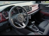 Kia Rio Sedan внутри и снаружи