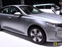 KIA Optima Plug-in Hybrid на выставке