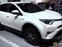 Экстерьер и интерьер Toyota RAV4 Hybrid