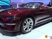 Ford Mustang Convertible - экстерьер и интерьер