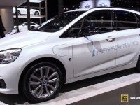 BMW 2 Series Active Tourer - экстерьер и интерьер