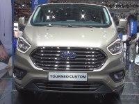 Ford Tourneo Custom - экстерьер и интерьер