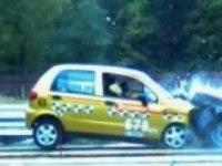 Видео краш-тест: Daewoo Matiz vs Lada 2110