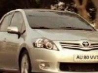 Toyota Auris в движении