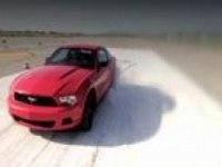 Видеообзор Ford Mustang (англ)