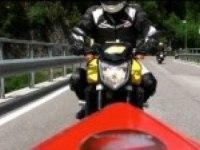 Yamaha FZ1 на дороге