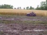 Polaris RZR 170 в грязи