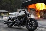 Мотоцикл Jack Daniels Indian Scout Bobber, покрытый настоящим золотом, ушёл с молотка - фото 6