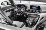 Лунный синдром: купе и родстер Mercedes-AMG GT опять обновили - фото 30
