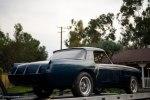 Редчайшие ретро-авто обнаружили среди груды хлама в старом гараже - фото 1
