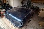 Редчайшие ретро-авто обнаружили среди груды хлама в старом гараже - фото 2