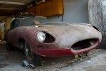 Редчайшие ретро-авто обнаружили среди груды хлама в старом гараже - фото 4