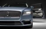 Lincoln представила юбилейную версию седана Continental с «суицидальными» дверями - фото 18