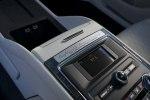 Lincoln представила юбилейную версию седана Continental с «суицидальными» дверями - фото 24