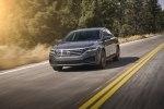 Volkswagen представил в Детройте новый Passat - фото 20