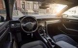 Volkswagen представил в Детройте новый Passat - фото 7