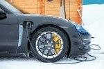 Фотошпионам удалось снять электрический Porsche Taycan почти без камуфляжа - фото 14