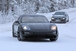 Фотошпионам удалось снять электрический Porsche Taycan почти без камуфляжа - фото 3