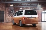 Volkswagen представила рестайлиновый минивэн Multivan - фото 5