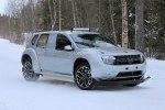 Renault вывел на тесты полностью электрический Duster - фото 8