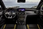 Mercedes-Benz обновила семейство «заряженных» кроссоверов GLC 63 4Matic+ - фото 5