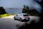 Mercedes-Benz представила особую версию электрического кроссовера EQC Edition - фото 12