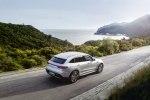 Mercedes-Benz представила особую версию электрического кроссовера EQC Edition - фото 14