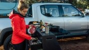 Rivian представила «дом на колесах» на базе своего электрического пикапа R1T - фото 11