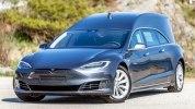 Tesla Model S превратили в роскошный катафалк - фото 4