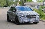 «Заряженные» Mercedes-AMG GLA35 и GLA45 замечены на тестах - фото 1