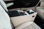 Тюнеры из Brabus превратили Mercedes V-Class в офис на колесах - фото 5