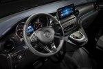 Первый в мире электрический минивэн Mercedes-Benz EQV покажут во Франкфурте - фото 15