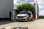 Первый в мире электрический минивэн Mercedes-Benz EQV покажут во Франкфурте - фото 6