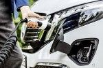 Первый в мире электрический минивэн Mercedes-Benz EQV покажут во Франкфурте - фото 7