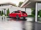 Audi показала усовершенствованный универсал RS4 Avant - фото 1