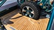 Представлен изумрудный Land Rover Defender от Overfinch - фото 5