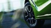 Honda слегка обновила самый компактный спорткар - фото 1