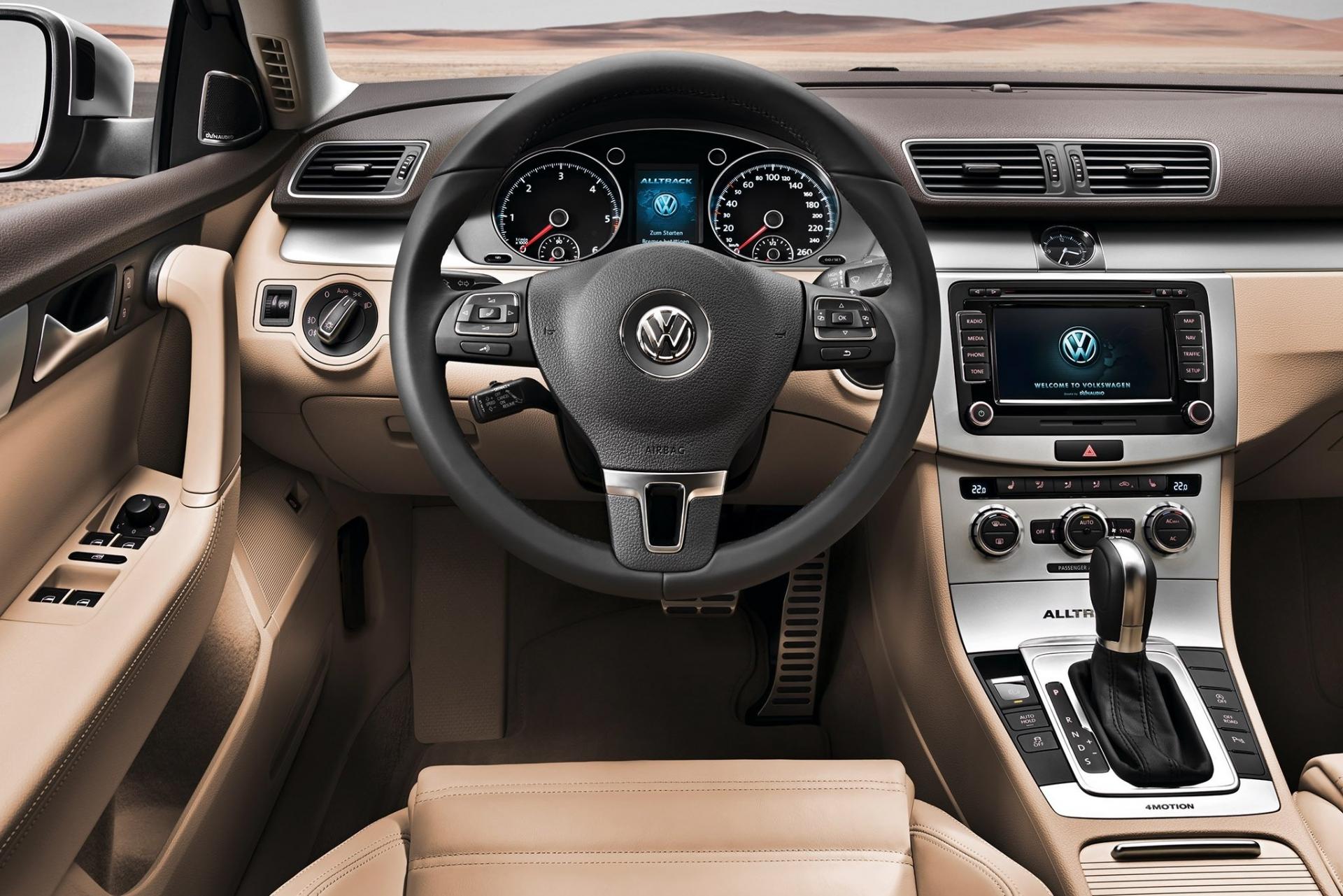 Volkswagen Passat Alltrack 2011. Volkswagen ... 99bc21f7642