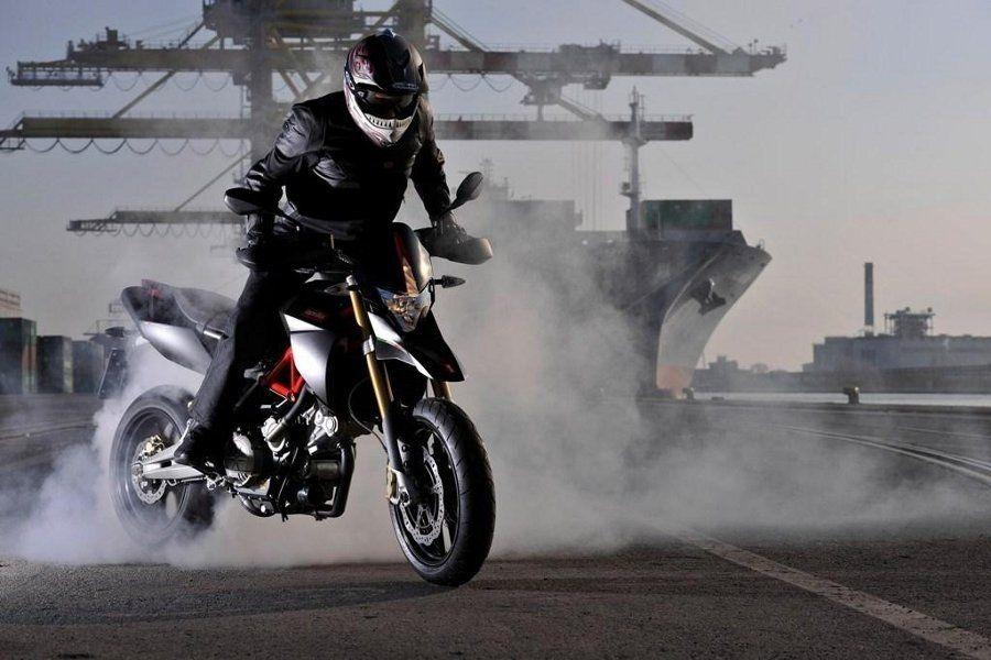 фото мотоциклов спортивных в дыбах меню барракуда самым